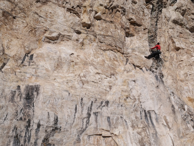 Keith Robine warms up on the über-classic Pork Sausage, 5.11a