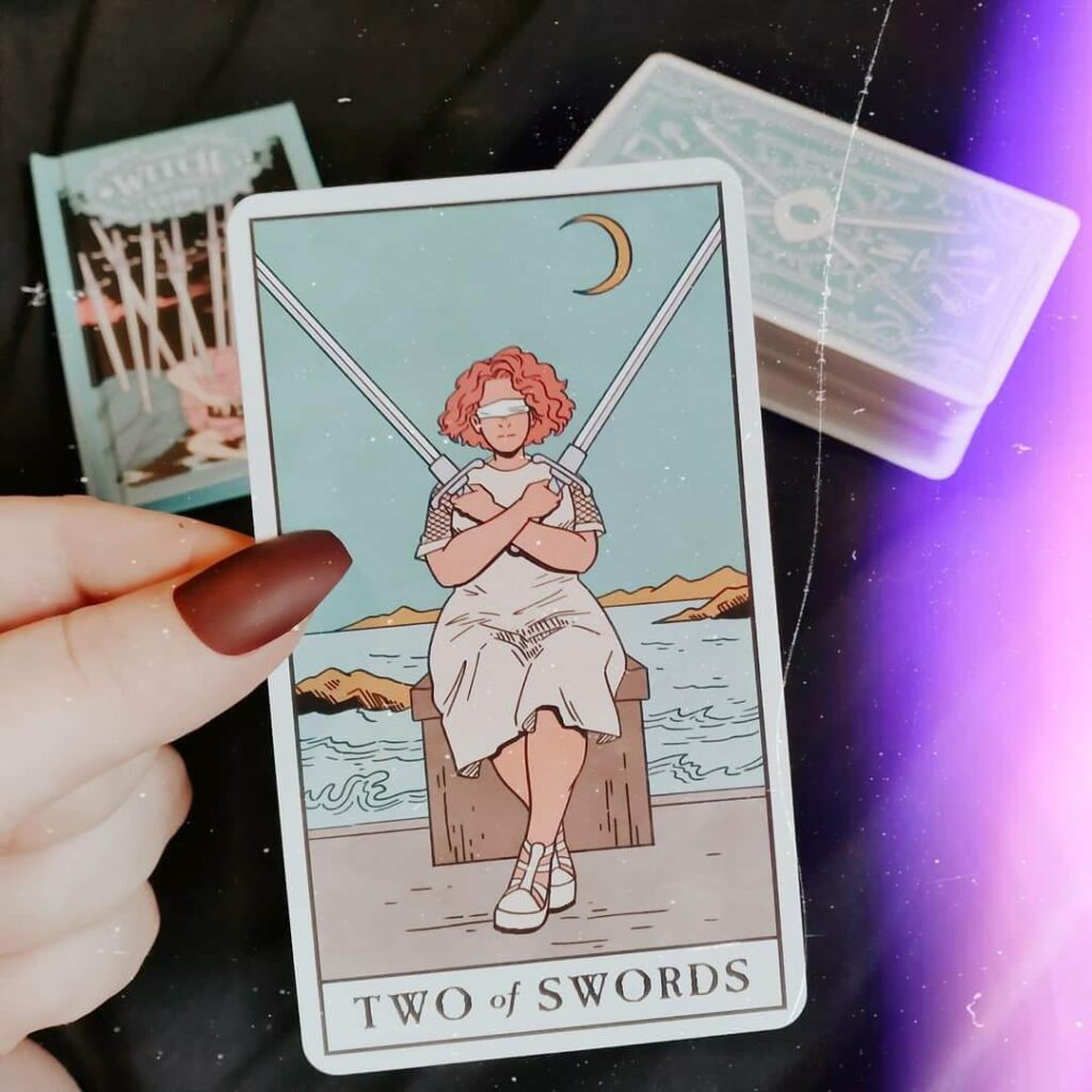 It can be confusing to know where to start with tarot cards. Here's a beginner's guide, plus a free guide to spreads for beginners! #tarotcards #tarotspreads #tarotguide #freeprintable #magic #witchy #wicca