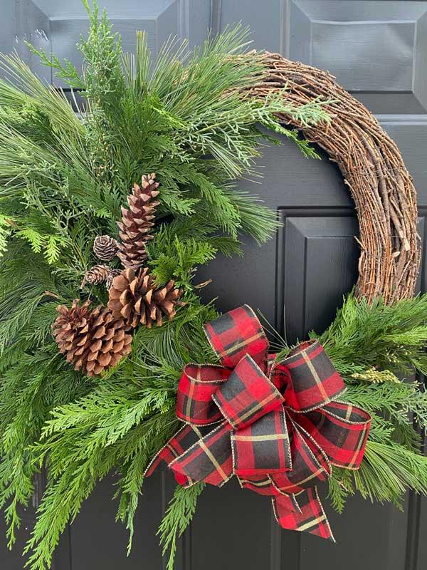 fresh-greens-holiday-wreath-image-sandys-back-porch