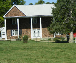 Salyer's home that stood thru the Civil War (Gary's parents home)