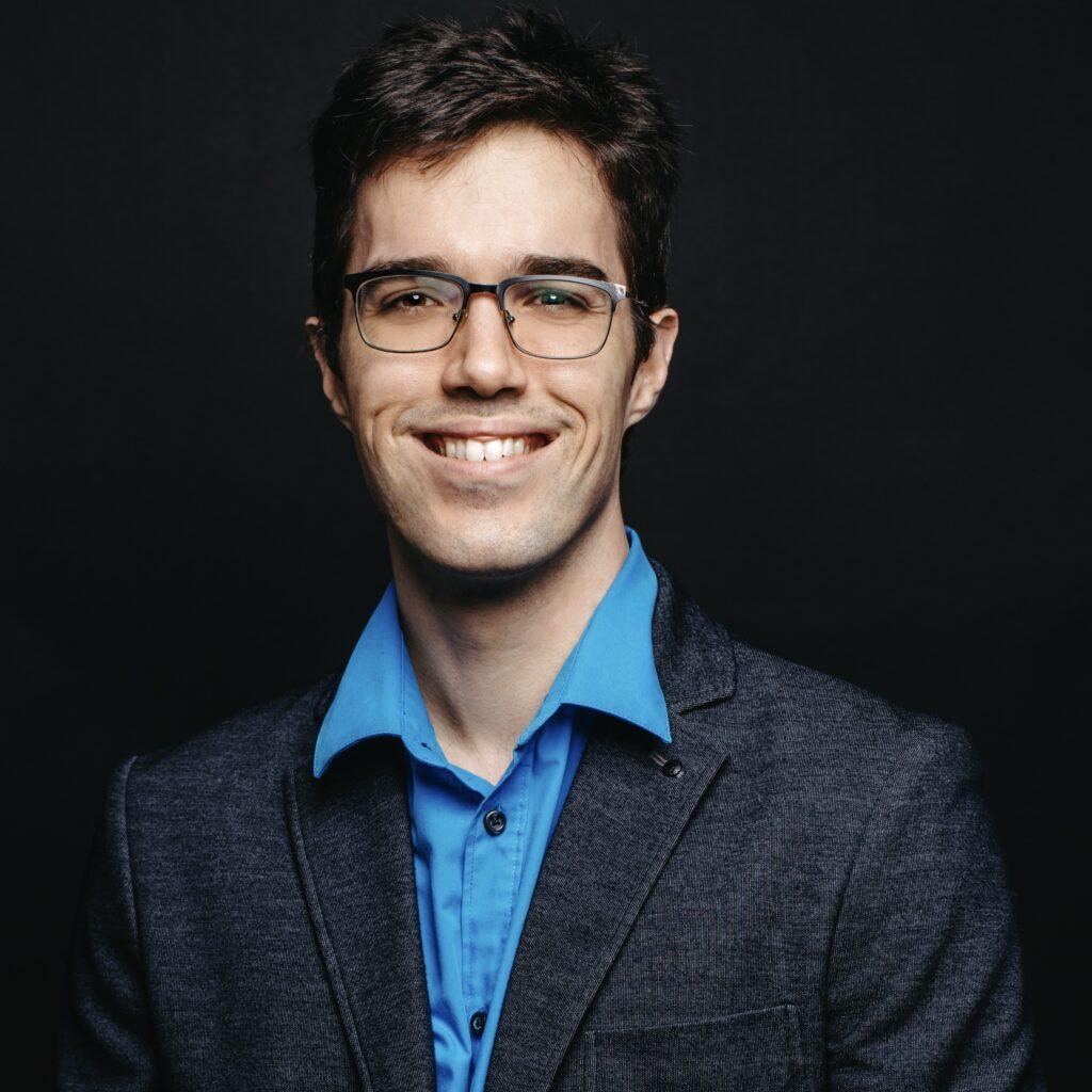 Portrait de Matthieu Bouchard, membre de la Firme-école en service-conseil des affaires