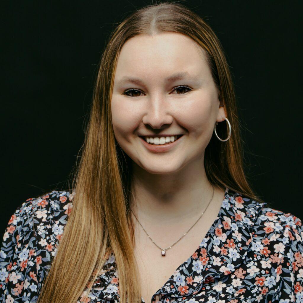 Portrait de Mélanie Simard, membre de la Firme-école en service-conseil des affaires
