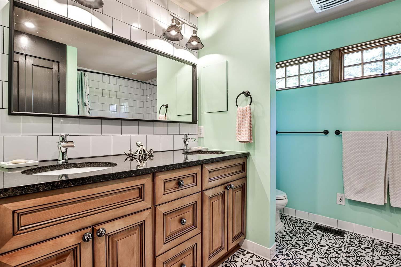 Modern Farmhouse bathroom
