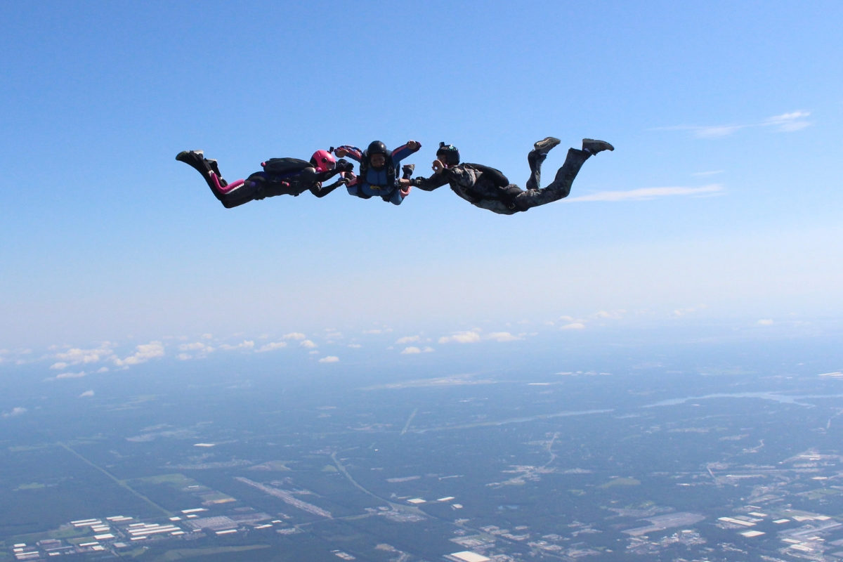 aff skydiving student learns to skydive with 2 instructors