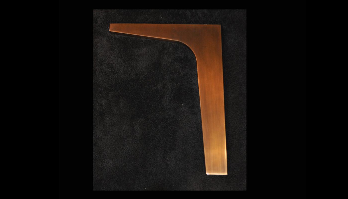 Boomerang Leg in Bronze