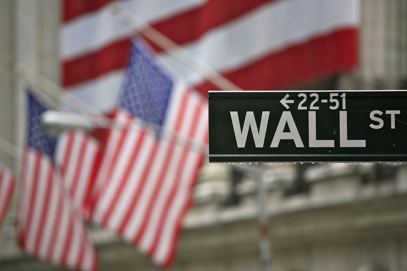 Why Are Wall Street Bankers Taking Government Jobs?