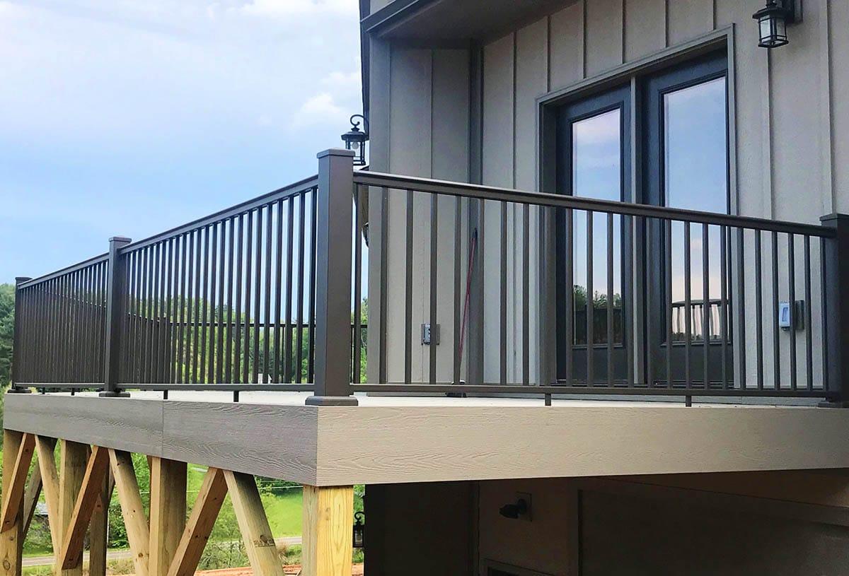 aluminum Deck Railing in Gainesville