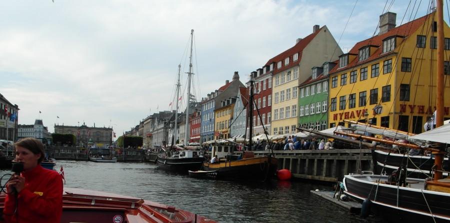 Denmark : Neuhaven harbor in Copenhagen