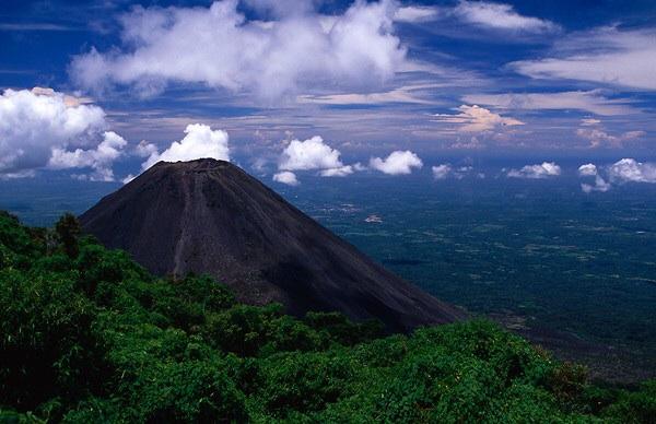 El Salvador ... Photo FrogandPrincess.Wordpress.com