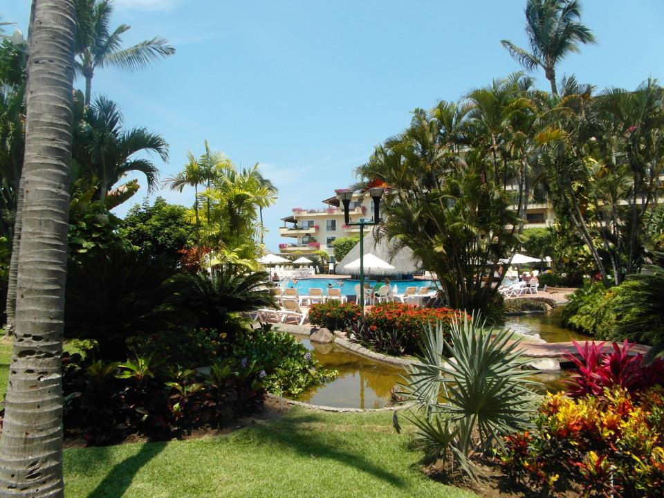 Velas Vallarta Resort in Puerto Vallarta - Pool area