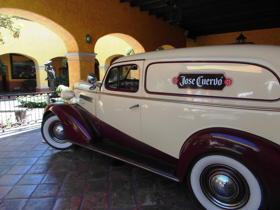 Jose Cuervo La Rojena - Vintage car