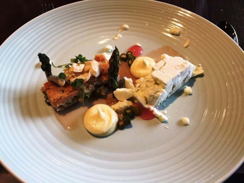 Mlynec Prague - Sweet Asparagus with Rhubarb and White Chocolate