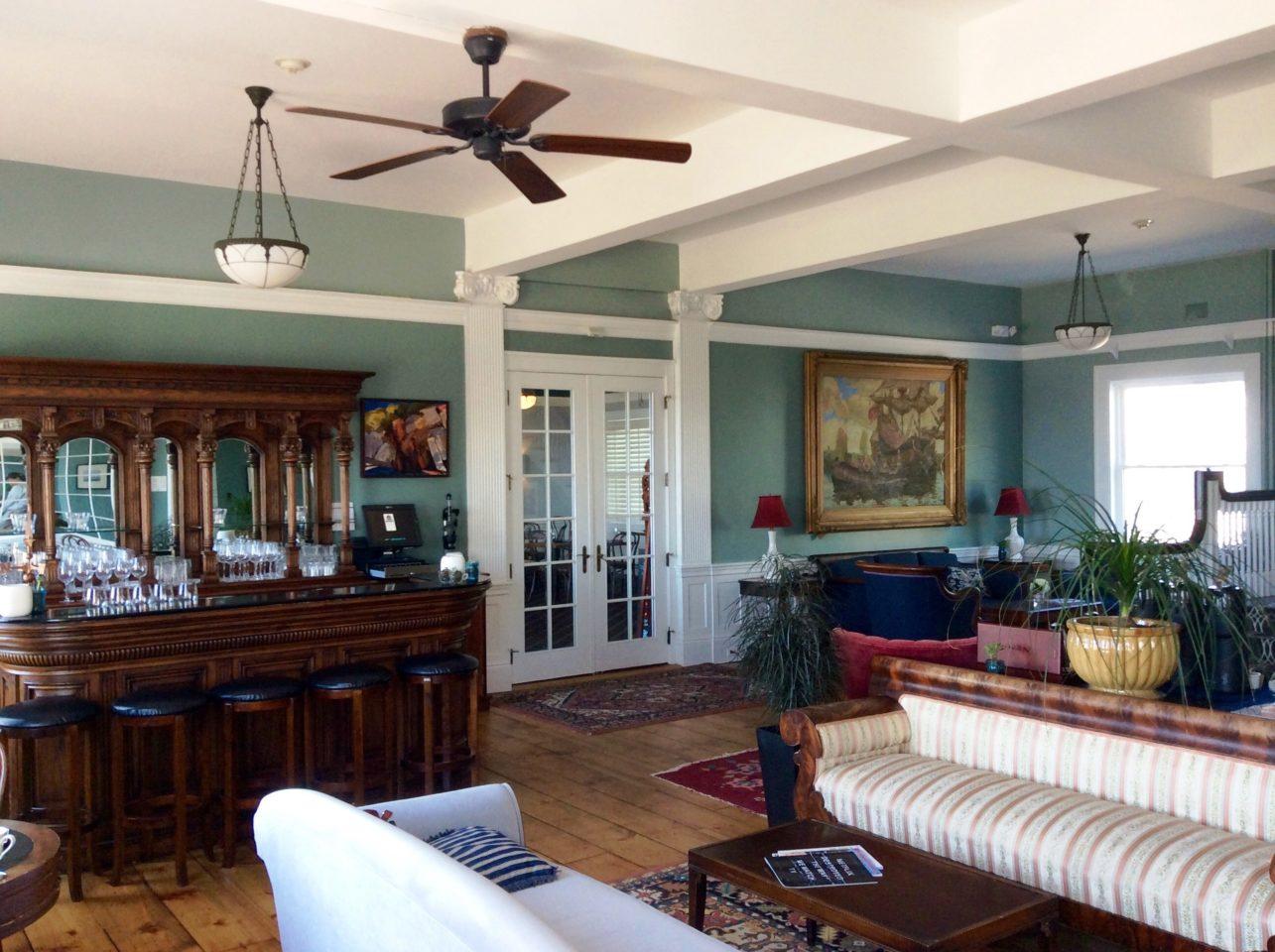 Emerson Inn by the Sea : Parlor Room