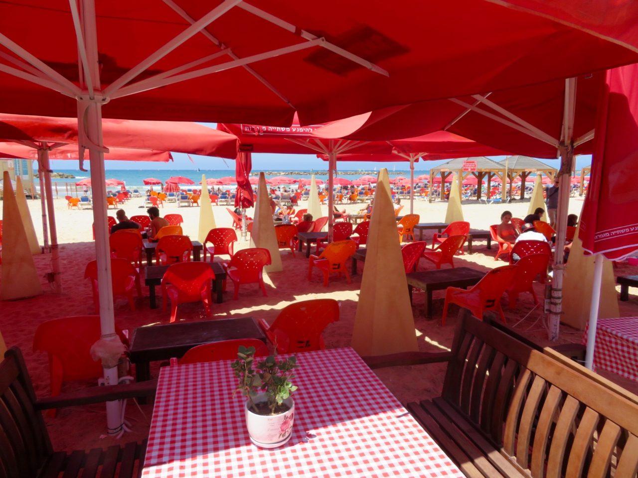 Tel Aviv Beach : Facilities on the beach