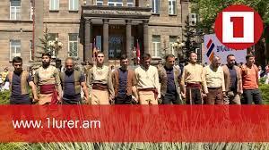 Սայլակից ոտքի կանգնած տղաները քոչարի են պարում. «Զինվորի տունը» պրոթեզարան ունի