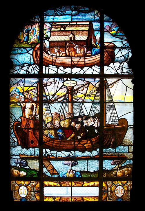 L'arche de Noé. (Noah's ark), The Church as a nave. Stained glass window. From the Church Saint-Etienne-du-Mont. Paris.