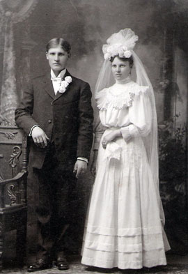 A full image of the wedded couple