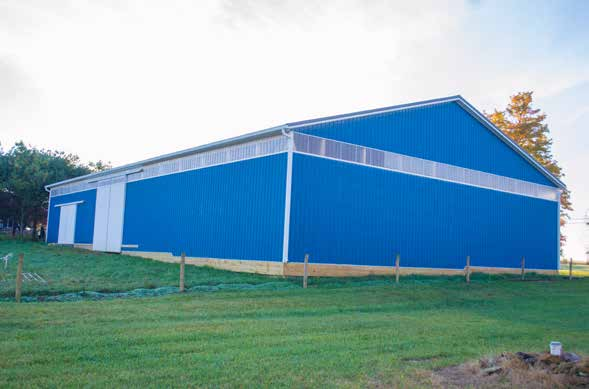 Pole Barn: Horse Barn Livestock Shelter