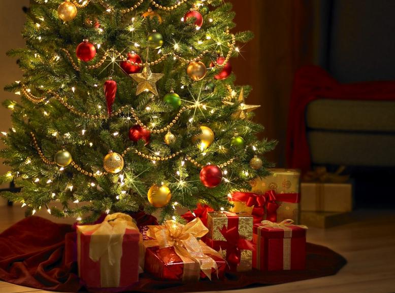 mold on christmas tree