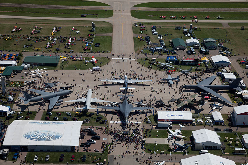 EAA AirVenture returns to Oshkosh