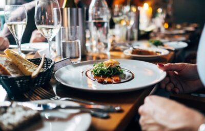 Your Full Guide to Wedding Reception Menus