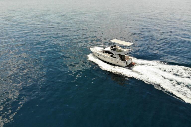 Azimut 39 Flybridge Yacht Charter Marbella