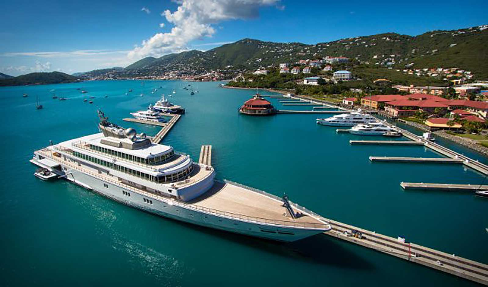 The American luxury charter yachts over 35 metres heading for paradise