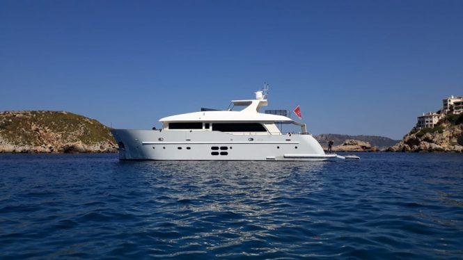 motor yacht MR. GU