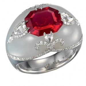 Bogh-Art white jade and ruby diamond ring