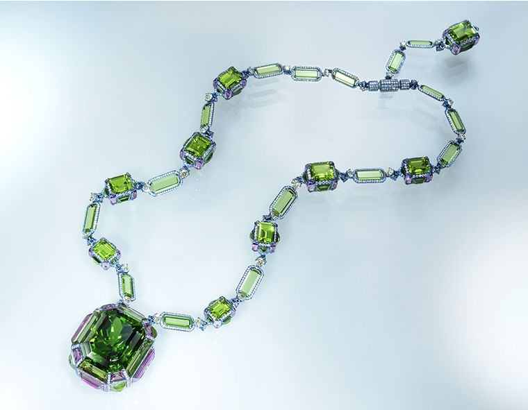 Wallace-Chan_Necklace_The-Chest-of-Treasures-by-Wallace-Chan_jpg__760x0_q80_crop-scale_media-1x_subsampling-2_upscale-false