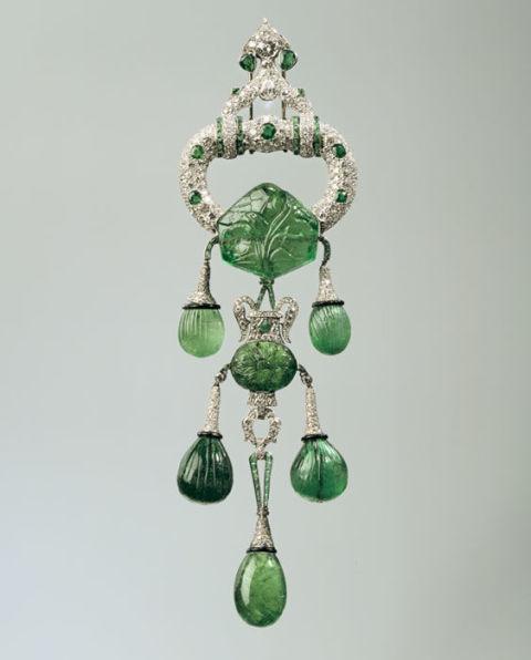 gallery-1429037962-pendant-custom