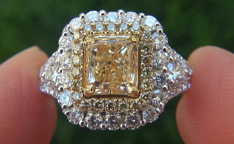 EGL USA 2.71 ct VS2 Natural Fancy Yellow Diamond 18k Engagement Wedding Ring