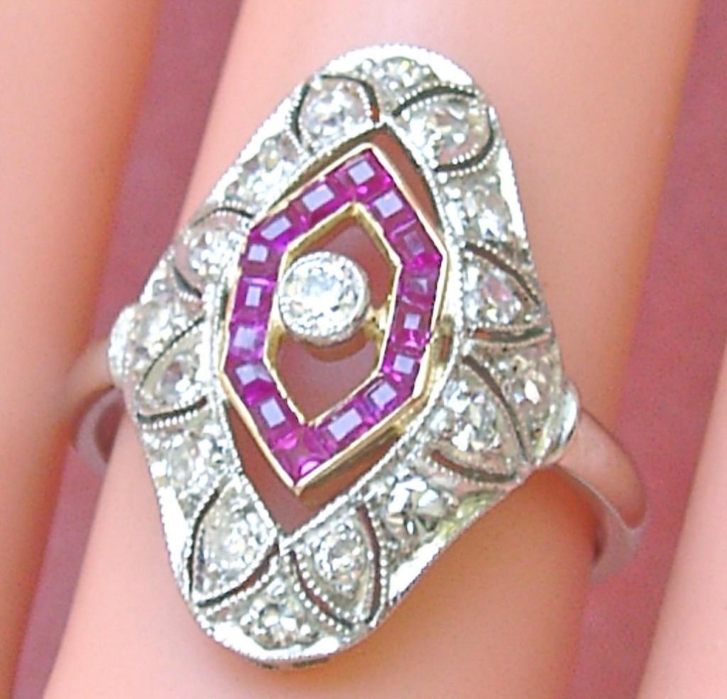ANTIQUE ART DECO .65ctw DIAMOND .45ctw RUBY PLATINUM 18K COCKTAIL RING 1930