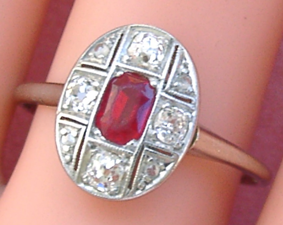 ANTIQUE ART DECO .4ctw OLD MINE DIAMOND .5ct SYN RUBY SMALL OVAL RING 1930