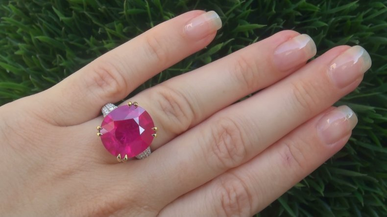Certified 17.63 ct Natural Red Ruby Diamond 14k White Gold Cocktail Estate Ring
