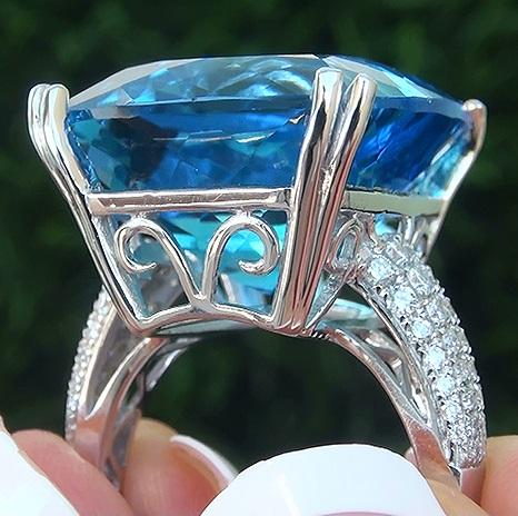 Estate 32.49 ct Natural FLAWLESS London Blue Topaz & Diamond 14k White Gold Ring