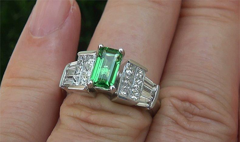 GIA 2.34 ct VVS Natural Tsavorite Garnet Diamond 18k White Gold Estate Ring