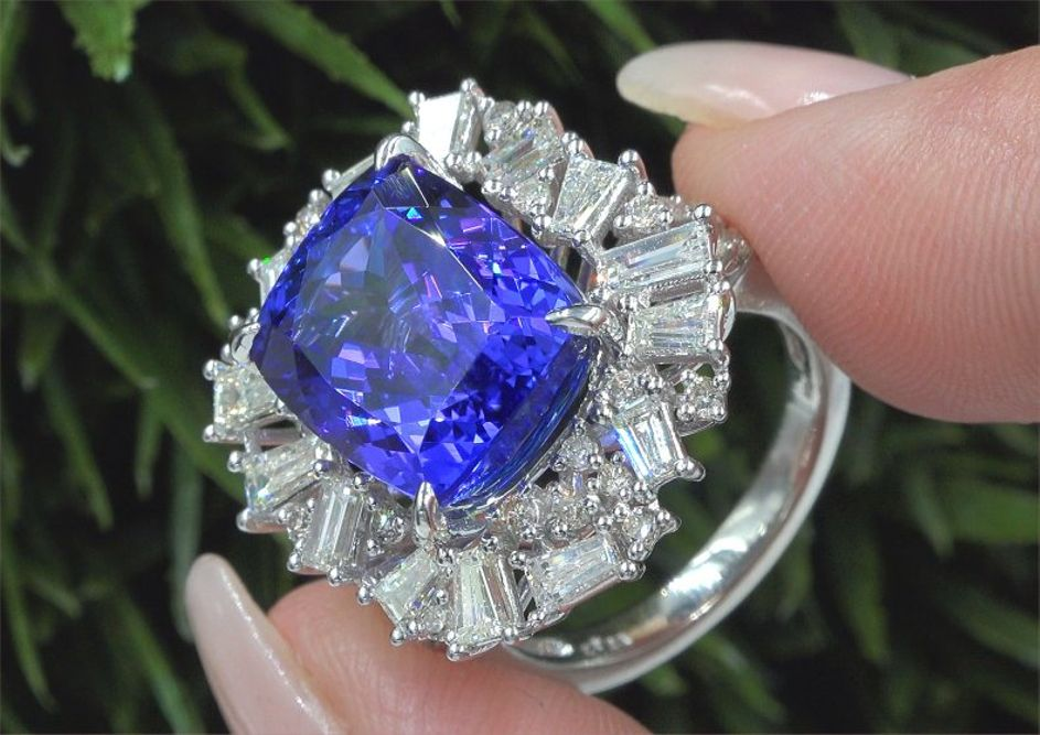 GIA Certified 11.68 ct VVS Natural Tanzanite Diamond 14k White Gold Estate Ring