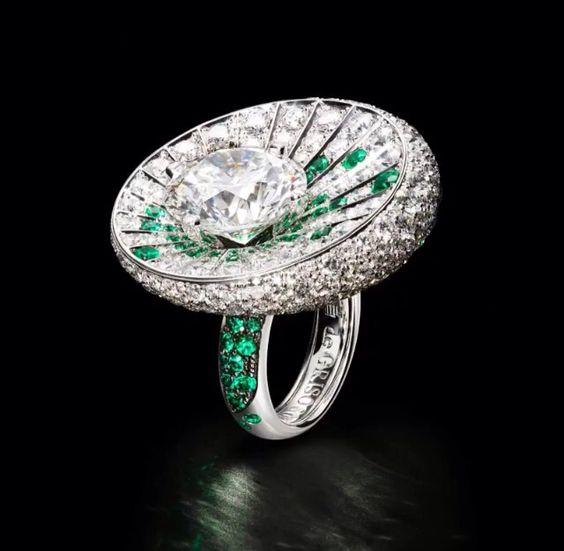 De Grisogono high jewellery emerald and diamond ring