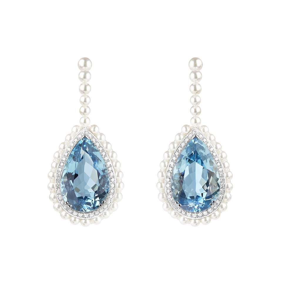 BAÏKAL Earrings set with one 12,08 ct Santa Maria pear aquamarine and one 11,74 ct Santa Maria pear aquamarine and cultured pearls, paved with diamonds, on white gold.