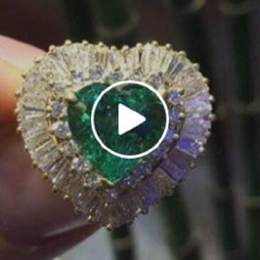 Heart Shape Emerald 1.65 Ct Round & Baguette Cut Diamond 18K Yellow Gold Heart Dinner Ring