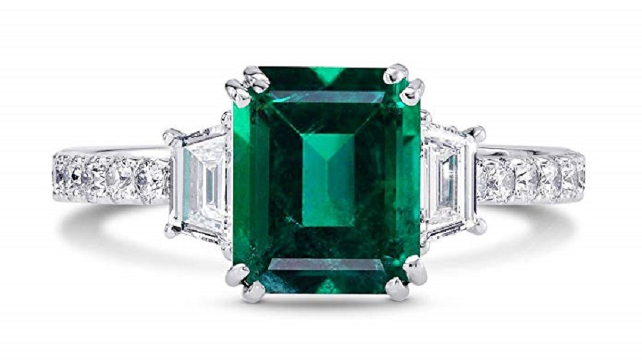 2.67Cts Emerald Gemstone Engagement Ring Set in 18K White Gold