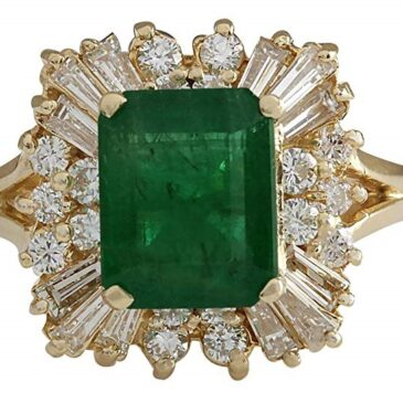 3.82 Carat Natural Green Emerald and Diamond Ring