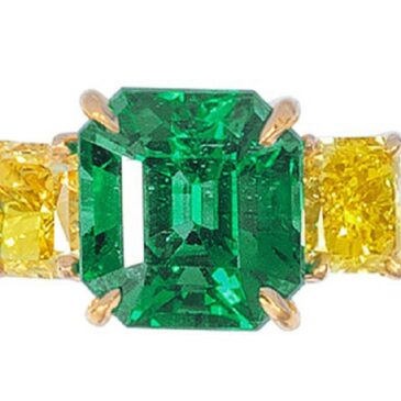 Colombian Emerald and Yellow Diamond Ring