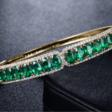 Gorgeous 18k/14k White Yellow Gold Brilliant Diamond Natural Green Emerald Bracelet