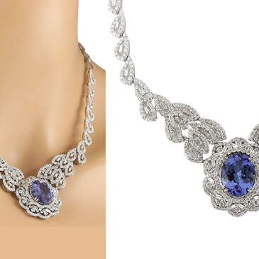 A Gorgeous 31.51 Carat Natural Blue Tanzanite and Diamond White Gold Luxury Necklace