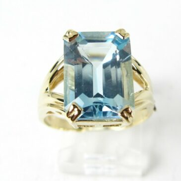 Gorgeous 7.0Ct Aquamarine Solitaire Ring