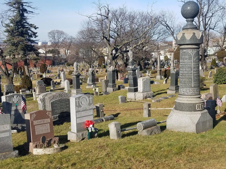 tombstones at Weehawken Cemetery