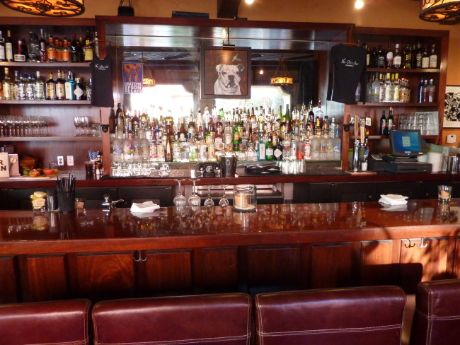 Otis Bar