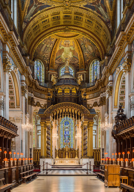 800px-St_Paul's_Cathedral_High_Altar,_London,_UK_-_Diliff